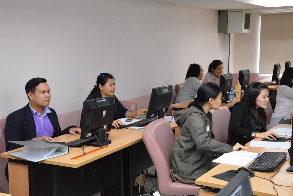 โครงการอบรมเชิงปฏิบัติการการจัดทำฐานข้อมูลคอมพิวเตอร์เพื่องานคหกรรมศาสตร์ผ่านเว็บไซด์ ระหว่างวันที่ 11 – 13 มิถุนายน 2557 ณ ห้องปฏิบัติการคอมพิวเตอร์ 2102 อาคารเรือนปัญญา ชั้น 1 คณะเทคโนโลยีคหกรรมศาสตร์ มหาวิทยาลัยเทคโนโลยีราชมงคลพระนคร